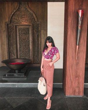 #Repost from Clozetter @beibytalks.  🔆🌴 . . . . . . . #beibytalks #beibytalksfesyen #clozetteid #apurvakempinskibali #ootd #blogger #vlogger #beibytalksjalancantik #traveling #travelphotography #traveller #traveladdict #girlpowertravel #ootdholiday