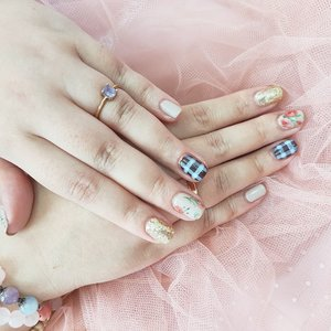 #Repost from Clozetter @Mgirl83.   The nails inspired by the outfit from the previous post by @redhacs .  I'd say the whole aesthetic is leaning towards Cottagecore, an aesthetic i always like but never really explored until now that i find a new hobby of visiting like wise sites!  Cakep banget ya nails nya, itu Redha bikin ini based on a photo of my planned outfit loh jadi kalo aku tiba-tiba ganti outfit kayaknya dia akan mengamuk 🤣🤣🤣.  But this should explain how OCD, meticulous and well-planned i am, sering ada yang nanya bajuku kok match banget sama lokasi, yha gimana ga matching kalo tiap kali emang selalu aku persiapkan khusus untuk lokasi itu kok hehehe 🙈.  Buat yg belom tau, @redhacs Ini nail trainer yah, kalau kalian mau belajar nails bisa banget tanya-tanya ke dia hehe.  #nails #nailstagram #SbyBeautyBlogger #clozetteid #BeauteFemmeCommunity #beautynesiamember #startwithSBN #socobeautynetwork