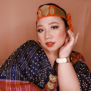 #Repost from Clozetter @reginapitupulu.  ~ 🇮🇩 @pac_mt l Studio Coverage Primer 🇮🇩 @mizzucosmetics l Hide'em Contour - Orange 🇮🇩 @lagirlindonesia lPro Coverage Foundation - Beige 🇮🇩 LA Girl Pro Matte Foundation - Nutmeg 🇮🇩 @thesaemid Tip Concealer 1,5 🇮🇩 @wardahbeauty Eyebrow - Brown 🇮🇩 @lookecosmetics Holly Lash Elixire Mascara 🇮🇩 Looke Holly Smooth & Blur Powder 🇮🇩 @absolutenewyork_id Strobing & Shading Palette 🇮🇩 @beautycreations.cosmetics Esmeralda Palette 🇮🇩 @gobancosmetics l Diamond Ultra Waterproof Liquid Eyeliner 🇮🇩 @bellaoggiitaliaofficial Feel Glamour - Coral 🇮🇩 @thebalmid The Balm Marry Loumanizer 🇮🇩 Absolute New York Matte Made In Heaven - Fever . . . #reginapittutorial #reginapitcom #bvlogger #bvloggerid #indobeauautygram #Clozetteid #bloggermafia #sbybeautyblogger #beautiesquad #indovidgram #indovlogger #batak #bataknese #beautybloggerindonesia #pinterestindonesia #pinterestmakeup #independencedayindonesia #17agustus #merdeka #IndonesiaTangguh #IndonesiaTumbuh #IndonesiaBersatu