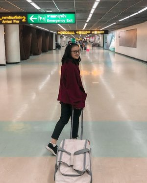 #Repost from Clozette Ambassador @sucifitriaapriani.  new beginnings and a long awaited endings, arrivals and departures, hellos and goodbyes ( airport ) - #airport #hateloverelationship  #clozette #clozetteid