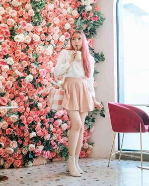 #Repost from Clozetter @yunitaelisabeth91.  On wednesdays we wear pink 💖 . 📷 @yumiiikoo  . . . . . #clozette #clozetteid #ootd #ootdindo #outfitoftheday #looksootd #outfit #cidstreetstyle #pinkoutfit #todaysfit #tempatnongkrongmedan