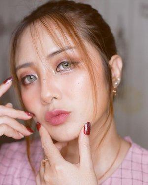 #Repost from Clozette Ambassador @EllenTan.  Wuu..💜 Luvly nail by @cialove23  . #koreanmakeup m  #makeupkorea  #koreanlook #clozetteid  #fdbeauty