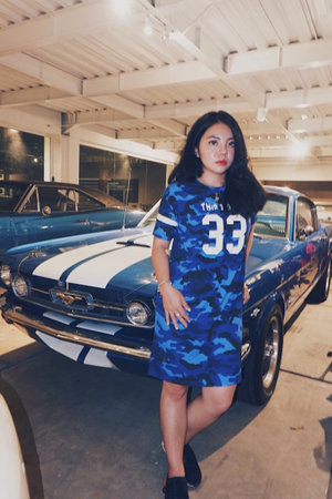 Super in love with Thirddayco apparel😍 super comfy adem and banyak collectionnya yang keren2 😍👚 👍🏻 #clozetteid #ootd #thirddayco #influencer #kekinian #asian #style #love #adidas #mustang #contentcreator #ootdkece