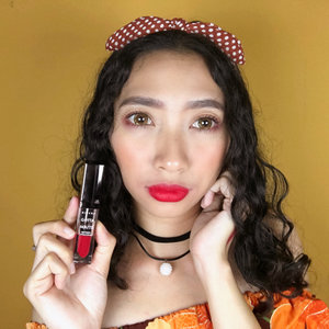 Feeling so gorgeous with this red lipstik from Rivera  Shade: #305 vibrant red 💋 . . #RiveraCosmetics #GottaBeMatte #GottaBeMatteLipCream  #LiveLifeEmpowered #beauty #lipcream #bold #beautyenthusiast #makeuplover