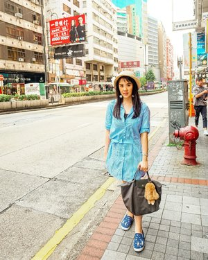 Miss Hong Kong so much nowadays! Miss the tasty foods, miss shopping, miss my reatives too. Never thought that we can't travel abroad for 2 years 😢 #hongkong #streetphotography #kowloon #tbt #hkvintage