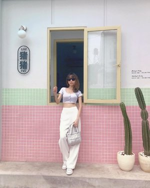 #Repost from Clozetter @isnadani.   Fav spot at @zhuzhu.jkt 💕 ( tap for details ) . . . . . #whatiwore #bloggerstyle #fashion #styleblogger #fashionblogger #ootd #lookbook #ootdindo #ootdinspiration #style #outfit #outfitoftheday #clozetteid