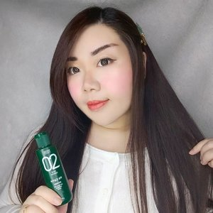 """#Repost from Clozetter @Mgirl83.  People with oily scalp MUST read!  Lemme introduce you to my current FAVE shampoo : @amosprofessional_official The Green Tea Shampoo . Just looking at the info in the bottle, it states to ne """"fresh"""" and """"scalp nourish"""", i was already interested because those are the points that  i am forever looking for in a shampoo.  I have very oily scalp, and i loveeee how this shampoo thoroughly and deeply cleanse my scalp without irritating it. It gives me a cooling sensation that is just at the right level that it helps eliminate any itchiness. I am a dry shampoo user (and i also use baby powders because dry shampoo is not always potent enough for my super shiny hair 😅) and my other shampoo gives me dandruff when i use dry shampoo - and they are all eliminated once i switch to this Green Tea Shampoo. I also love how this shampoo gives my roots volumes and makes my hair less limp.  If you have dry or damaged hair, don't forget to use conditioner and or hair serum ya because it's the clarifying type of shampoo that can make dry and damaged hair a little bit stringy or tangled (but nothing that cannot be taken care of with little conditioner and serum tho).  I absolutely love it and highly recommending it for anyone with the same hair and scalp problems as me.   You can grab yours at my Charis Store (Mindy83) or type :  https://bit.ly/amosgreenteaMindy83 to get directly to the page.  @hicharis_official @charis_celeb @charis_indonesia  #Amos #amosprofessional #CHARIS #hicharis #reviewwithMindy #beautefemmecommunity #clozetteid #sbybeautyblogger #shampoo #greenteashampoo"""