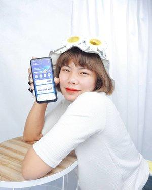 #Repost from Clozette Ambassador @deemiiaa.   __ PPKM di perpanjang sampe tanggal 2 Agustus nih beeeb, masih tetep semangat kaaan #DiRumahAja???  Kegiatan baru selama PPKM tu aku jadi seneng banget nonton drama korea di Netflix ataupun Viu, belum lagi nonton beberapa youtuber Korea biar serasa jalan jalan online gitu, walaupun masih di rumah aja, wajib banget looh ngejaga mood biar tetep happy dan imun bisa tetep terjaga hihihi  Makin happy lagi nemu paket Akrab XL yang beneran bisa bikin aku nonton seharian tanpa buffer dan tanpa bikin kantong jebol beeeb, Terus bisa sharing sama 2 anggota keluarga lainnya lagi, gimana nggak makin happy cobaa??  Nonton drakor juga aman kalo kamu nonton pake tab, soalnya dapet kuota sama sama besar, jadi nggak ganggu kegiatan ngajar online si uus deh, ngajar onlinenya bisa lancar jaya nggak terganggu sama sinyal yang putus-putus hihi  Nggak perlu ke Customer Service buat pakenya, tinggal download aplikasi My XL aja dan atur semuanya di sana!!!  Biar PPKM tetep happy, cuss cobain juga paket Akrab XL yuuk?? Jangan lupa juga buat ikutan kontes family squad XLnya yaaa  Btw, rekomendasiin drakor yang comedy romance doonks?! 🥰  @myxl @hometesterclubid #hometesterclubid #HTCIDxPaketAkbrabXL #familysquad