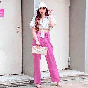 Ternyata tembok biasa ja kalo difoto bisa jadi one of ootd spot juga loh , gak nyangka hasilnya oke juga...will find another spot next...  . . . Bucket hat from @zaloraid Pants from @pomelofashion #ootd#ootdindo#ootdkece#outfit#fashion#blogger