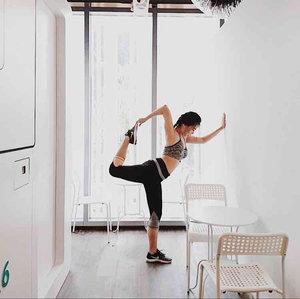 Love yoga and exercises   #ootd  #yoga #sportgirl #workout  #clozetteid  #yogapose #beauty #blogger #model