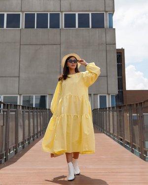 #Repost from Clozette Ambassador @diarykania.  Yellow day 💛 . 📸 @dennyirawanphotos  . #ootd #fashion #lifestyle #style #clozetteid