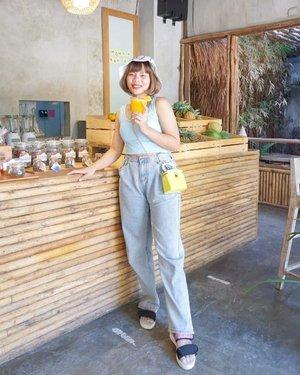 __Bandung rasa Bali, ada yang udah pernah mampir ke @trouit.bdg ???📍 @trouit.bdg📸 @margarethmits#demiaketrouit #bandungbeautyblogger #bandungbeautyvlogger