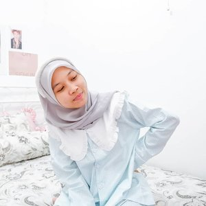 #Repost from Clozetter @KARTIKARYANI.  New hobby✔ collecting pajamas for my daily outfit for WFH😅 ini Piyama edisi spesial ulang tahun dari @dalbyeolchoice yang warna biru. Cantik banget kan? Aku langsung kepincut sama detail kerahnya dan langsung checkout 2 variannya. 1 lagi warna pink nanti aku share ya. Seperti biasa beli piyama dapet kunciran juga yang senada hehe😆. . #clozetteid #kartikaryaniootd #piyama #pajamas #pajama #cutepajamas #sleepwear