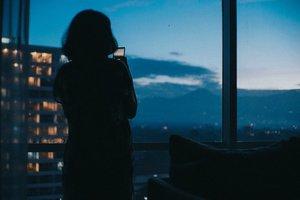 Menanti Sunrise dari kamar 🌅 . . Ini pemandangan yang aku dapat dari kamar saat menanti sunrise. Aku paling suka menanti sunrise dan sunset, karena warna langit tuh jadi kerenn banget 😍. . Hal apa yang paling kamu nanti dari alam? . . 📍@crowneplazabandung . . #jeanettegy #JeanettegyReview #familyreview #staycationbandung #staycation