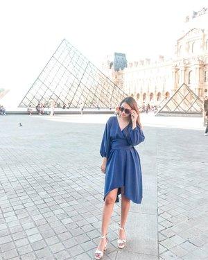 #Repost from Clozetter @beibytalks.  SUNDAY mood . . . . . . . #beibyjalancantik #goestoparis #trip #holiday #beibytalks #insta #louvremuseum #instaholiday #instadaily #holiday #liburan #paris #beibygoestoeurope #tripeurope #happyholiday #instapicture #perancis #louvre #louvrepyramid #louvreparis #travel #traveller #instatravel #instapic #beautifulparis #parisfrance #parisianstyle #girlpowertravel #instagram #clozetteid