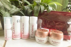 Cari rangkaian skin care untuk mencerahkan wajah yang aman dan udh terdaftar di BPOM ? Yuk cek blog aku ttg review RUBIENA Brightening Series, klik link di di bio aku yaaa.  Happy reading :) #blog #bloggerindonesia #skincare #rubienabeauty #brightening #blogger #beautyblogger #beautynesia #clozetteid