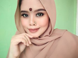 Muke jawa ala ala india hidung ala kadarnya -_-#makeup #makeupindia #collabbollywood #bollywoodmakeup #bollywood #indobeautysquad #indonesiabeautyblogger #makeuplook #like4like #clozetteid #beauty #indian #selfie