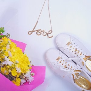 There's something about white and gold.. #shoeslover #cotw #ClozetteID