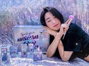 Yassss! #PondsGlitterGlow is finally here!!! Revealing Unicorn Glow Products by @pondsindonesia ❤️ For all glowgetters and glitter freaks, This collection is for YOU! Try #SparkYourUnicornGlow one by one, start from peel-off mask that easy to use, illuminating cream for that effortless glow from within, duo powder for instant holographic look, and moisture stick for more glitter rosy glow effect!!!What's not to love?! For me, all the products are fantastic and so unique like a unicorn 🦄😍 #BornUnicorn #SparkYourUnicornGlow #PondsGlitterGlow #clozetteid #glitterglowreview #meminebeauty #minebeautyjourney