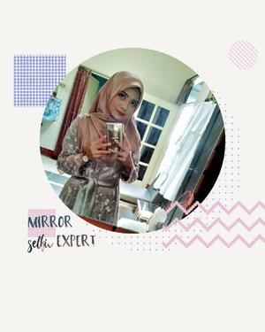 💯 Mirror selfie expert 🤪.....#heizyi #clozetteid #hijablook #wearthisnext #bridesmaids on #brotherwedding = #TabunganKenangan