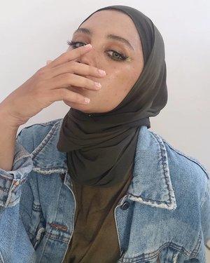Open your MIND ,before your MOUTH !! . . #batamhits #likeforlikes #lfl💛 #batambeautygram2 #batambeautyblogger #beautyvlogger #beautyhijabers #fakefreckles #makeuplook #motd #indonesia #itsbeautycommunity #lemoninfluencer #lemonsquad #beautefemmecommunity #viral #langkathits #hijabersbeautybvlogger #eotd #motd #beautybloggerindonesia #hijabers #clozetteid