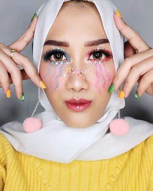 #JessMakeupLooks Jatuh.. jatuh apa yang bikin pusing? Jatuh depan gebetan.. Itu mah malu bukan pusing 😆 Jatuh cinta.. masih kurang 😂 Jatuh cinta sama laki orang.. masih kurang juga 🤭 . . JATUH TEMPO! Pusing makk 🤣🤣 . . . #makeup #clozetteid #makeupart #makeuptutorial #beauty #boldmakeup #beautyblogger #beautybloggerindonesia #tampilcantik #storieid #qupasbeauty #makeuplooks #makeupaddict #makeupjunkie #makeupoftheday #flawlessmakeup #indobeautysquad #indobeautygram #ivgbeauty #indobeautyinfluencer #beautyinfluencer #beautyenthusiast #bccindo #hijabersbeautybvlogger #tangerangbeautysquad #cchannelfellas #cchannelbeautyid