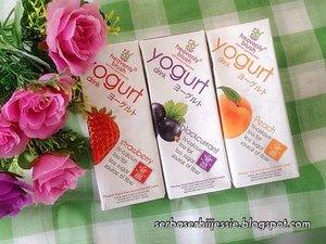 Takut mengkonsumsi yoghurt karena rasanya yg asam?? Eitss tenang, yoghurt @heavenlyblushyogurt #ASAMNYAPAS bahkan tidak perlu khawatir bagi bumil 😄😄 Tersedia 3 varian rasa dgn kandungan Hi-Calsium, Lowfat, dan Less Sugar. Info lengkapnya soon in my blog, so stay tune yaa! 😘😘😘 #asamnyapas #yoghurt #yogurtarian #heavenlyblush #strawberry #blackcurrant #peach #diet #creamy #blogger #beautybloggerindonesia #instalike #instapict #clozetteid