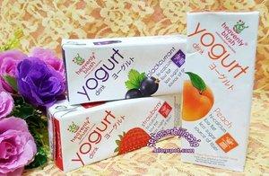 @heavenlyblushyogurt ga cuma enak tp aman buat bumil dan jg bagi kamu yg sdang diet 😁😁 . Cocok jg untuk menu sarapan krna rasa #AsamnyaPas jd ga perlu takut sakit perut 😍😍 . . Info lengkap tips memilih yogurt sudah ready diblogku, visit link on my bio 💖💛💚💜 . . . #beauty #blogger #beautyblogger #beautybloggerindonesia #indonesianfemalebloggers #yogurt #asamnyapas #heavenlyblush #diet #creamy #yogurtarian #strawberry #peach #blackcurrant #instafood #foodies #clozetteid #review #blogupdate #instadaily #love #likes