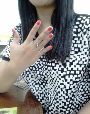 I declared my love to the scented nail polish from the #RevlonParfumerie #ClozetteID