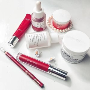 Beauty products edisi Merah putih Indonesia-ku 🇮🇩🇮🇩.@pondsindonesia age miracle Whip day cream#Ponds age miracle eye cream@somethincofficial AHA BHA PHA Peeling Solution@aubree.skin Centella Herb serum@wardahbeauty Exclusive matte lip cream shade 06@kiehlsid Ultra facial cream@fanbocosmetics eye brow pencil.#indonesia75tahun #HUTRI75 #merahputihchallenge  #skincarereview #reviewskincare #skincareindonesia #idskincarecommunity @beautyzoneborneo #clozetteid @idskincarecommunity