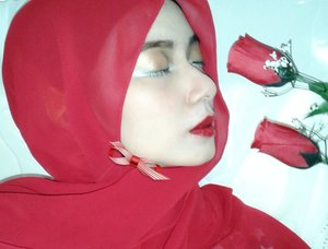 Sometimes red is the creepy colour for some poeple..but not for me. Love red! #ClozetteID #GoDiscover #TheTouchOfRed