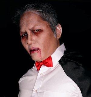 Edward Cullen ala ala 😘😘....#vampire #dracula #charactermakeup #sfxmakeup #specialfxmakeup #jasafacepainting #jasamakeup #fantasymakeup #creativemakeup #creatures #clozetteid #clozettedaily
