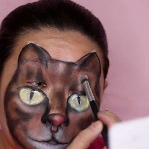"""🔊 sound on 🔊.""""But we lovee every caaaat..."""".Here some process of my cat face painting. You can see the full tutorial on my youtube channel, and you can find the clickable link on my bio. The tutorial voice over are in bahasa, but the step by step process are clear enough without voice over actually. I just add the voice for my own satisfaction 😎😆.-------------.Tutorial bikin kucing di wajah udh ada di #youtubechannel gw. Mampir yuk 💕 gw udh bikin tuto nya sesimpel mungkin biar gampang diikutin. Moga moga bermanfaat ya 🤗..#facepainting #catfacepaint #facepaintingkids #gambarkucing #grumpycat #mehronmakeup @mehronmakeup #globalcolours @globalcolours #facepaintcom @facepaintcom #insanebrains #crazymakeups @crazy.makeups #horrorhags #sfxmua #sfxmakeup #facepainttutorial #juviasplace #warriorpalette #muajakarta #clozetteid #fdbeauty #indobeautygram #ibv #ibv_sfx #ivg #ivgbeauty @indovidgram"""