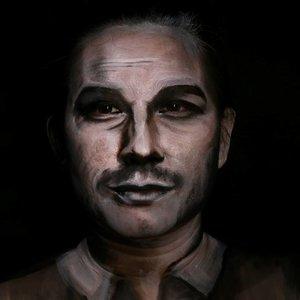 "Makeup Transformation!! So i am trying to draw Satr Lord a.k.a Nick van Owen a.k.a Chris Pratt on my face. What d'ya think? Tag him if you think my transformation good enough 😆😆😆 Hope you like it 😘😘.Done with @mehronmakeup#paradisemakeupaq Black, White and a bit of black and brown eyeshadow.--------------------------------.Udah lama ni ga bikin ginian � gimana, udh mirip blom sm babang Chris Pratt/Owen/StarLord? Kasi tau doi donk kl dimari ada ""kembaran""nya wakakak 😆😆.Ada video step by step transformasinya, yg bakal gw uplot di #igtv gw siang ini..cus pasang notipp kalo penasaran yok hehehe.....#chrispratt #makeuptransformation #nickvanowen #starlord #prattprattpratt #jurrasicworld #tampilcantik @tampilcantik #bunnyneedsmakeup @bunnyneedsmakeup #indobeautygram #ibv @indobeautygram #indovidgram @indovidgram #ivg #ivgbeauty #fdbeauty #clozetteid #facepainting #makeupkarakter #mehronmakeup @mehronmakeup #dupemag @dupemag #brian_champagne #feature_my_stuff #crazymakeups #muaworldwide #maryhadalittleglam #wakeupandmakeup"