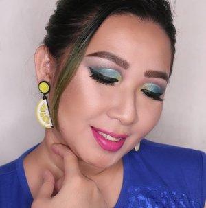 Kenapa gw pake esedo ijo? Becoz it reminds me to 💰💰.Btw, esedonya pake @nyxcosmetics_indonesia Ultimate Shadow Palette. ..Perkakas lainnya :Wajah : @wetnwildbeauty Mega Cushion, @zapcoid Loose Powder Healthy Glow, @catrice.cosmetics Sun Glow Matt Bronzing..Alis : @wardahbeauty Eyebrow Kit + @catrice.cosmetics Eyebrow Definer.Lipstick @lorealmakeup @getthelookid Infaliblle Promatte Lipgloss...#makeupnatural #makeuptutorials #brian_champagne #wakeupandmakeup #nyxcosmetics #nyxcosmeticsid #wardaheyebrowkit #wetnwild #getthelookid #tampilcantik @tampilcantik #bunnyneedsmakeup @bunnyneedsmakeup #fdbeauty #clozetteid #kbbvmember #bvloggerid #indobeautygram