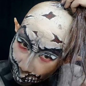 👉👉Swipe left for another video👉👉 . . Still from yesterday's creature. This video taken when i was peel off the diy bald cap, wig and elf ears. . I believe i am getting smarter now while glueing my diy bald cap with latex because i can peel it of easily - without peeling off my hair too 😅💕💕 . . I am not making a tutorial for any recent look. Let me know if you want any video 😁😁😁 . . #facepaintingjakarta #creativemakeup #charactermakeup #bodypaint #clozetteid #dupemag #amazingmakeupart #universalhairandmakeup #5fingerssfx #mehronmakeup #muajakarta #fdbeauty #ibv #indobeautygram #ivgbeauty #fantasymakeup #mykie_ #jordanhanz #alexfaction #thehorrorhub #cosplay #darkart #facepainting #horrormakeup #specialeffectsmakeup #specialfx #sfxmakeup #artist #amazingmakeupart #specialeffects