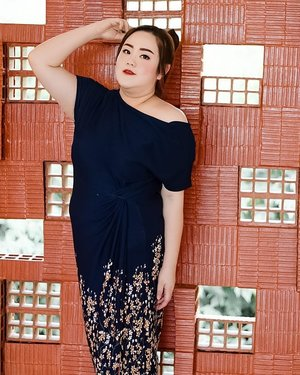 """I dedicated my life to God, how about you?""...#ootd#ootdfashion#lifeissosimple#travelwithstyle#stylewithme #selfie#stevydiary#thanksgod#instagram#walkwithstevy#celebratemysize#plusmodelmag#lookbookindonesia#endorsement#ootdasia#clozetteid"