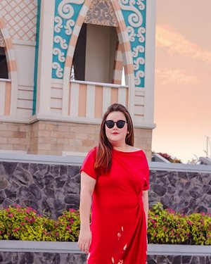 *the sun is shining as well as my brighten Thursday*...#ootd#ootdfashion#lifeissosimple#travelwithstyle#stylewithme #selfie#stevydiary#thanksgod#instagram#walkwithstevy#celebratemysize#plusmodelmag#lookbookindonesia#endorsement#ootdasia#clozetteid