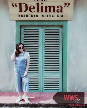 Strolling around @gamplong_studio wearing my blue stripes overall by @sorabelofficial so comfy...📸 @matthewckck ...#lifeissosimple#travelwithstyle#stylewithme #yogyakarta#explorejogja#selfie#stevydiary#thanksgod#instagram#walkwithstevy#celebratemysize#plusmodelmag#lookbookindonesia#ootd#endorsement#ootdasia#clozetteid#BalgaMags#ootdfashion#styleindo#plussizemodel