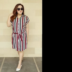 """Hellow bibibssss... When stripe looks good on me""...#ootd#ootdfashion#summeroutfit#lifeissosimple#travelwithstyle#stylewithme #selfie#stevydiary#thanksgod#instagram#walkwithstevy#celebratemysize#plusmodelmag#lookbookindonesia#endorsement#ootdasia#clozetteid"