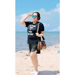 """Keep dreaming, chase your goals and enjoy it""...#ootd#ootdfashion#summeroutfit#lifeissosimple#travelwithstyle#stylewithme #selfie#stevydiary#thanksgod#instagram#walkwithstevy#celebratemysize#plusmodelmag#lookbookindonesia#endorsement#ootdasia#clozetteid"