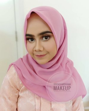 Before - after 💋▶▶▶geserinfo makeup :082260592599#bridesmaids #makeupartist #makeuppesta #makeup #engagementring #wisuda #wedding #amongtamu #makeuptutorial #makeupwisuda #makeupoftheday #engagementmakeup #mua #muajakarta #prewedding #clozetteid #wakeupandmakeup #hudabeauty #bloggerindonesia #beautyblogger #penerimatamu