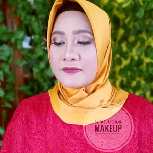 🌹 .Info makeup: WA 082260592599#bridesmaids #makeupartist #makeuppesta #makeup #engagementring #wisuda #engagementmakeup #mua #muajakarta #prewedding #clozetteid #wakeupandmakeup #hudabeauty #bloggerindonesia #beautyblogger
