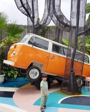 Tropical vibes. . . . #travel #ClozetteID