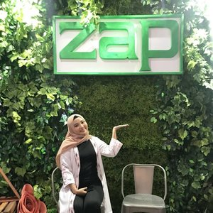Hii guys ~~ kalian udah tau blm kalo @zapcoid ada Clinic baru loh di Makassar, tepatnya di @zapnipahmakassar Yayy 😍😍.Acara Grand Opening Zap Nipah Mall Makassar ini seruu banget .. Karna ada Beauty Talkshow, Meet & Greet bersama CEO ZAP CLINIC Fadly Sahab dan kak @shindyursula ❤❤.So, buat kalian yang ingin perawatan kulit dan wajah cuss ke @zapnipahmakassar .. Banyak promo dan diskon selama Grand opening loh 🤗....#zapclinic#discoveryourconfidence#clozetteid#clozettexzap#discoveryyourconfidence