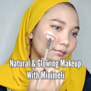 𝗠𝗶𝗻𝗶𝗺𝗲𝗹𝗶 𝗢𝗻𝗲 𝗕𝗿𝗮𝗻𝗱 𝗠𝗮𝗸𝗲𝘂𝗽 𝗧𝘂𝘁𝗼𝗿𝗶𝗮𝗹 💖-Yuhuu Makeup murah lagi nih 🤭 yup! perkenalkan @minimeli brand china, harga produknya sekitar 20rb-an aja 🤫 packagingnya gak usah ditanya lagi, cuteee banget huhu~ untuk kualitasnya sebanding ya sama harganya .. lumayan bagus kok apalagi untuk pemula 😊-𝗠𝗮𝗸𝗲𝘂𝗽 𝗱𝗲𝗲𝘁𝘀 :♡ Minimeli poreless primer♡ Minimeli matte soft foundation♡ Minimeli pressed powder♡ Minimeli creamy matte lipstick as eyeshadow♡ Minimeli waterproof eyeliner♡ Minimeli push up mascara♡ Minimeli blush & highlighter powder♡ Minimeli matte lipcream-𝗪𝗵𝗲𝗿𝗲 𝗧𝗼 𝗕𝘂𝘆?Official Store 𝗠𝗶𝗻𝗶𝗺𝗲𝗹𝗶 di Shopee atau Lazada ❤️❤️ #minimeli #minimelibeauty #minimelicosmetic #minimelimakeup #makeupmurah #makeupnatural #glowingmakeup