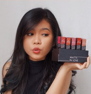 Happy sundaaaayyy....Setelah sempat off dari peryucupan finally im back. Dateng dateng langsung mau ngeracun lipstick lokal dari Pixy yg seriusan ini bagusnyaa gak lebay. Warnanya juga lengkap banget dari yang kalem ala artis korea sampe yg bold ala vampire twilight jg adaaaa! Cus langsung aja klik link yg ada di bio aku yah :) #clozetteid #beautynesiamember #beautisquad #bloggermafia #indonesianfemaleblogger #beautychannelID #indobeautusquad #indobeautygram #beautybloggerindonesia #beautybloggerid #kbbvfeatured #undiscovered_muas
