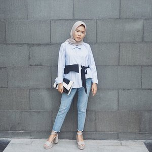 Wearing Janis Stripe Blue from @shopataleen 💙#aleenlook #aleenhijablook #clozetteid
