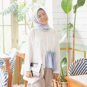 In love with Richel top by @shopataleen 💙#aleenlook #aleenhijablook #clozetteid