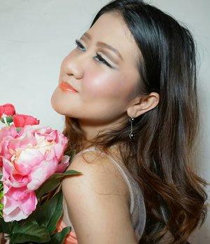 @poppydharsonocosmetics yukk ikutan @viraelyansyah @itselvinaa @sysonetea  #prodefineyoureyes #eyemakeuproblem #dealwitheyemakeup  #clozetteid #desiinatablog #happynewyear #mymakeup #makeup #makeupartist #makeupaddict #makeuplove  #makeupartist #beautymakeup  #makeupforever #makeupatelierparis #makeupart #make #beautifulgirl